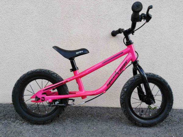 Bicicletta usata senza pedali BRN Racer fucxia fluo
